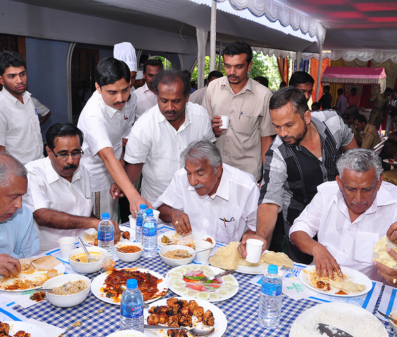 Oommen Chandy at Delicia Hotel